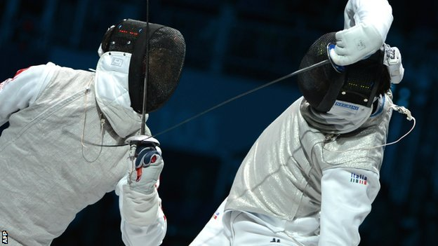 _62057974_fencing_getty