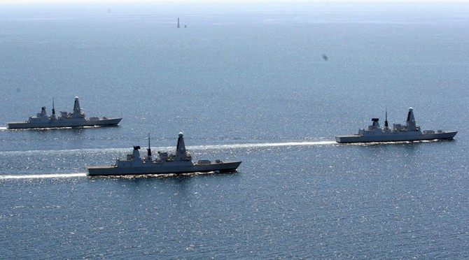(L-R) HMS Duncan, HMS Dauntless and HMS Dragon
