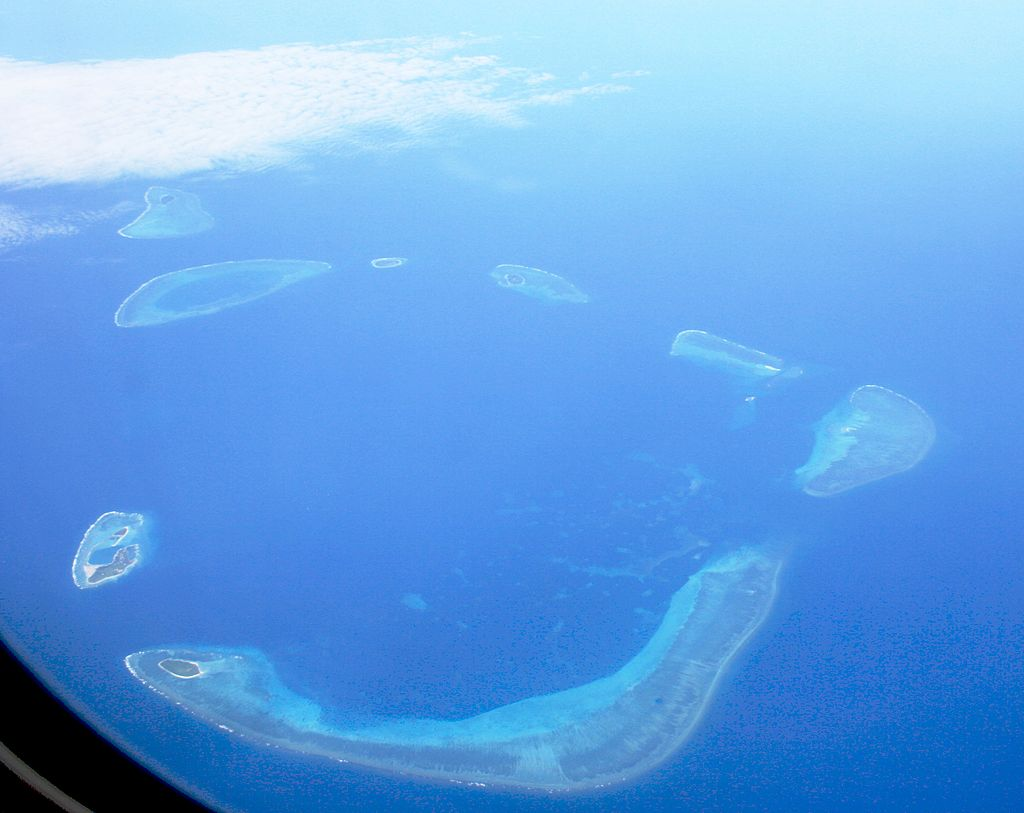 Aerial photograph of the Crescent Group, Paracel Islands. Source: Wikipedia.