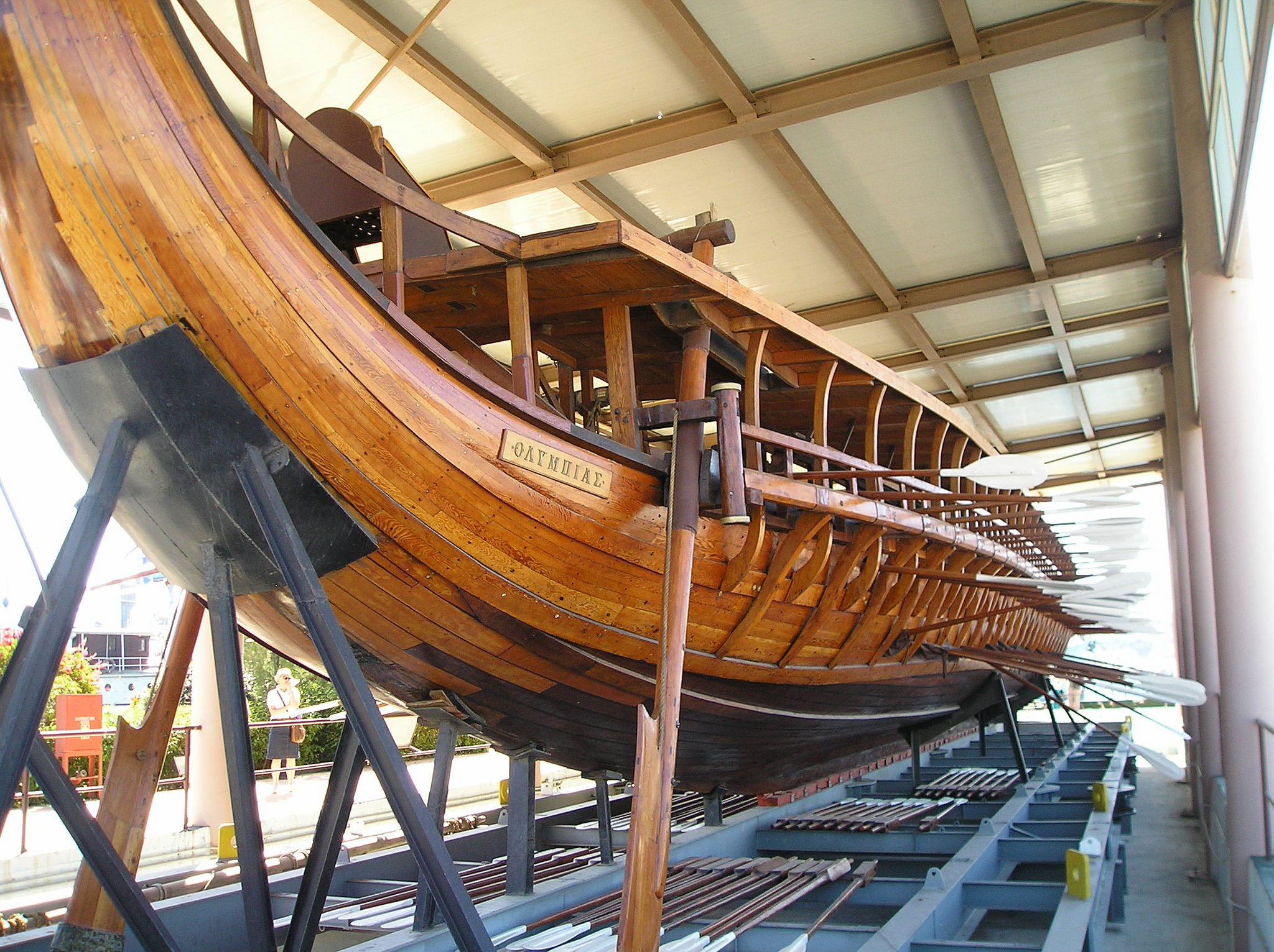 Themistocles was adamant in the construction of a large Athenian fleet, built up mainly of the Trireme class, pictured above. (Creative Commons)